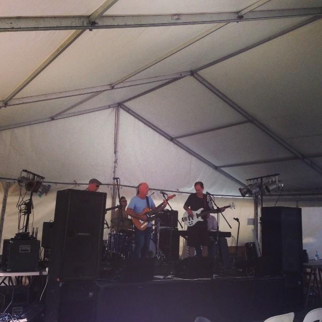 Dave Blennerhassett live  Narrabeen Festival Awesome grooves